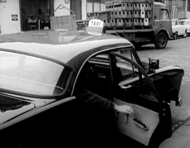 1957 simca ariane 4 in le temps des copains for Garage des taxis g7 saint ouen