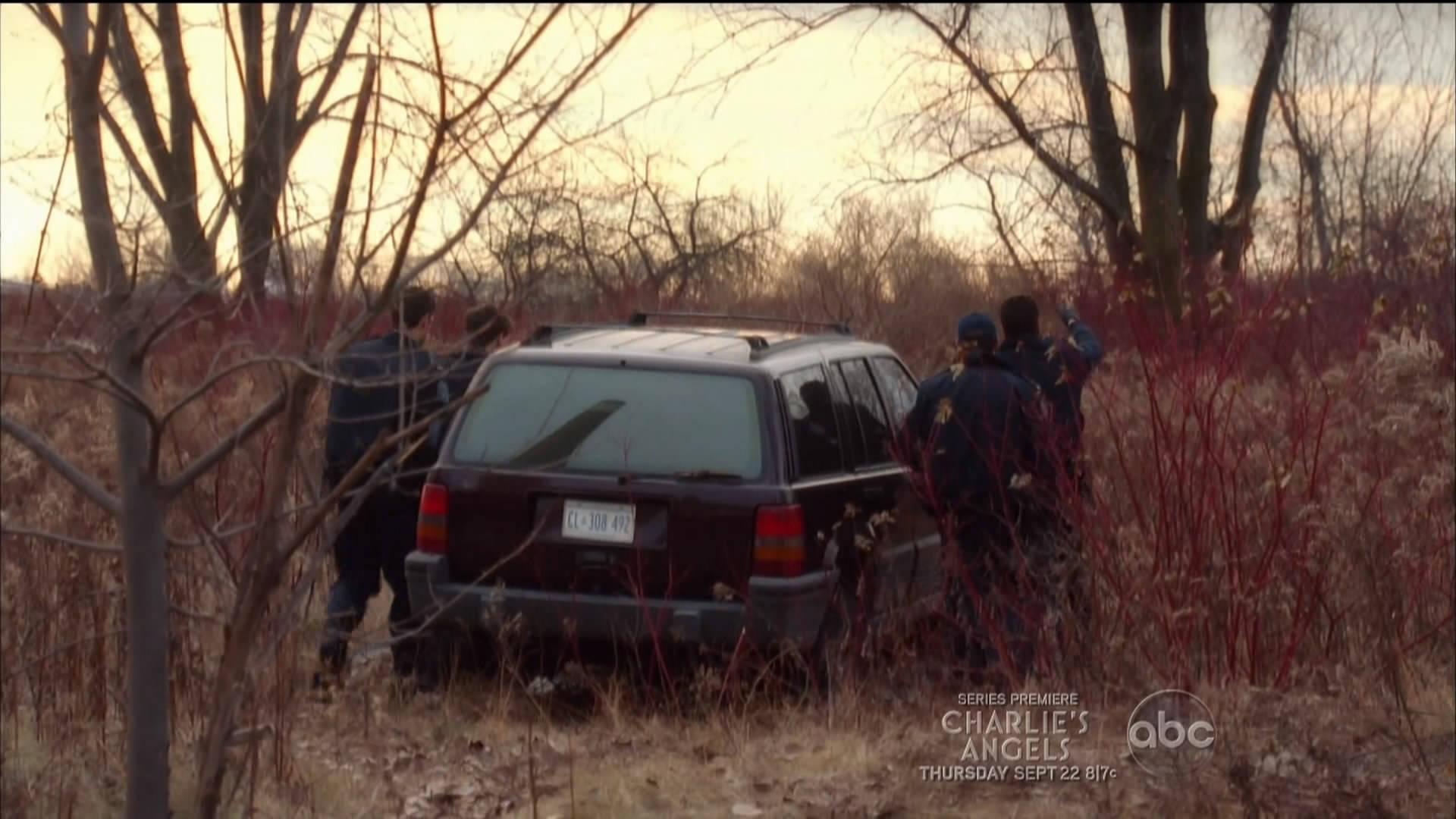 "imcdb: 1993 jeep grand cherokee laredo [zj] in ""rookie blue"