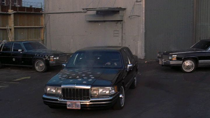 1990 lincoln town car in analyze this 1999. Black Bedroom Furniture Sets. Home Design Ideas