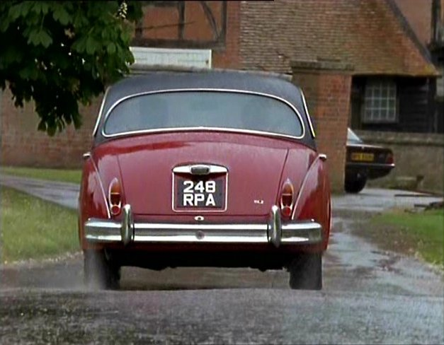 1960 jaguar mk ii 2 4 litre in inspector morse. Black Bedroom Furniture Sets. Home Design Ideas