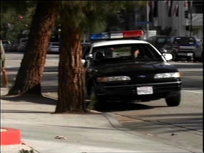 "IMCDb.org: 1992 Ford Crown Victoria in ""Diagnosis Murder ..."