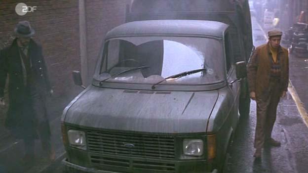 """Ford Transit Van >> IMCDb.org: 1982 Ford Transit MkII in """"101 Dalmatians, 1996"""""""