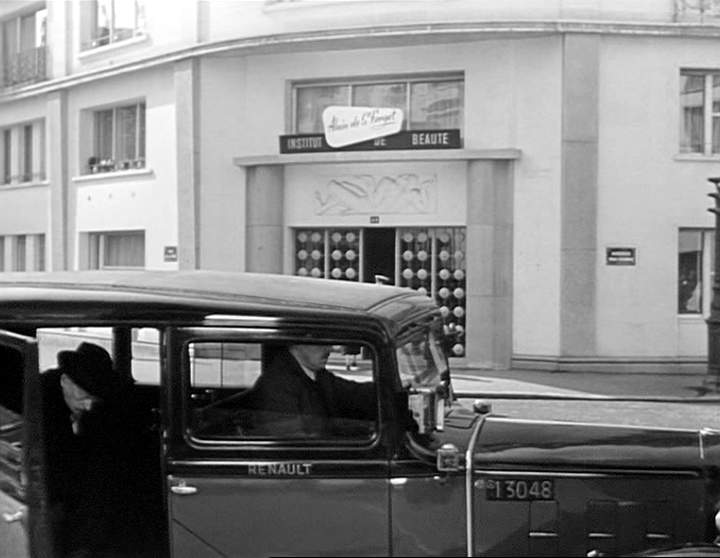 1933 renault taxi g7 type kz11 in le mouton cinq pattes 1954. Black Bedroom Furniture Sets. Home Design Ideas