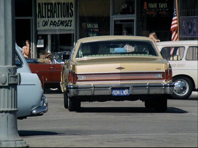 1975 lincoln continental town car 53b in the rockford file. Black Bedroom Furniture Sets. Home Design Ideas