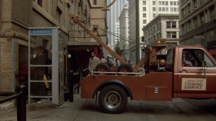 """Monster Truck Dog >> IMCDb.org: 1980 Ford F-350 in """"Jumpin' Jack Flash, 1986"""""""