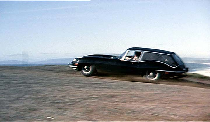 http://pics.imcdb.org/0is517/jaguarxkehearse71112ds2.7038.jpg