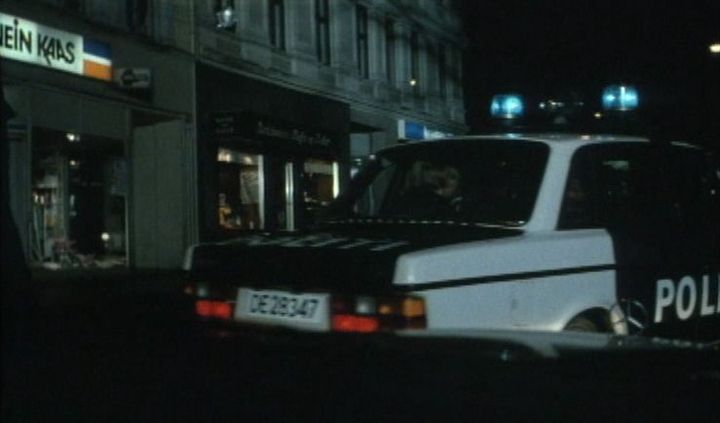 "IMCDb.org: 1985 Volvo 240 Politi [244] in ""Karachi, 1989"""