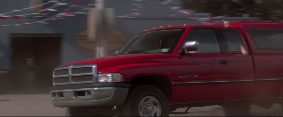 "IMCDb.org: 1995 Dodge Ram 2500 Club Cab SLT in ""Twister, 1996"""