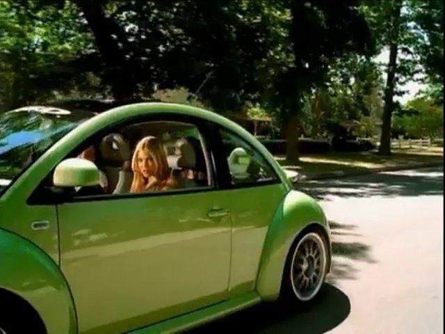"IMCDb.org: 1999 Volkswagen New Beetle [Typ 1C] in ""Mandy Moore: Candy, 1999"""