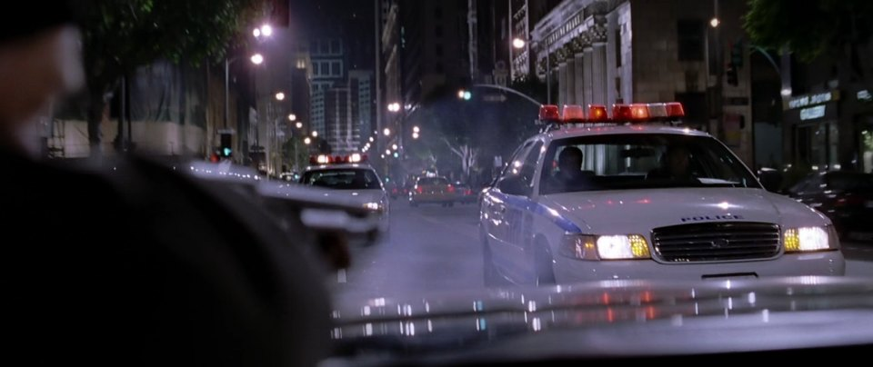 "Ford Crown Victoria Police Interceptor >> IMCDb.org: 1999 Ford Crown Victoria Police Interceptor [P71] in ""Spider-Man 2, 2004"""