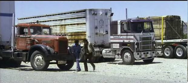 "Mack Cruiseliner du film ""le convoi"" Untitled7it_3599"