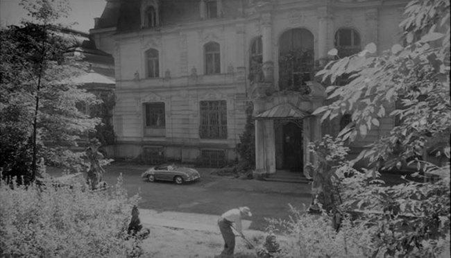 IMCDb.org: u0026quot;La chambre ardente, 1962u0026quot;: cars, bikes, trucks and other ...
