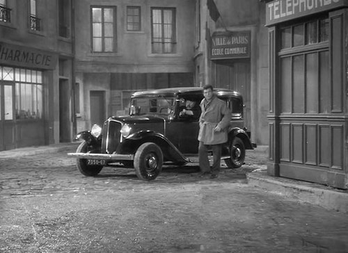 1933 renault taxi g7 type kz11 in l 39 trange madame x 1951. Black Bedroom Furniture Sets. Home Design Ideas