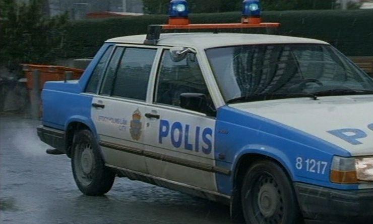 """IMCDb.org: 1990 Volvo 740 GLT 16 Valve Polis [744] in """"Jakten på en mördare, 1999"""""""