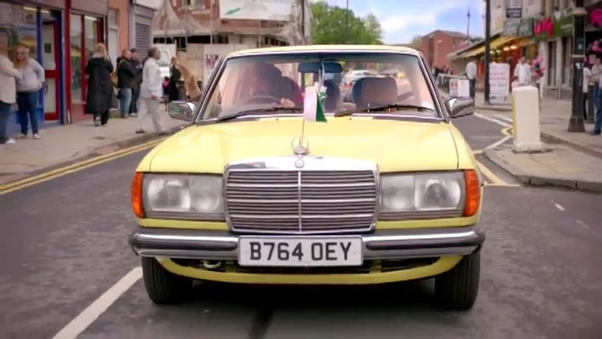 """Used Cars Hawaii >> IMCDb.org: 1985 Mercedes-Benz 230 E Automatic [W123] in """"Citizen Khan, 2012"""""""