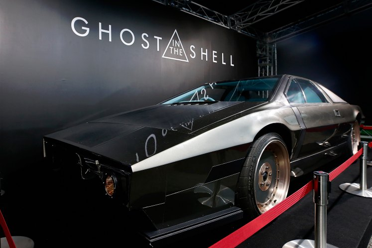 ghost-in-the-shell-batou-car-10.jpg