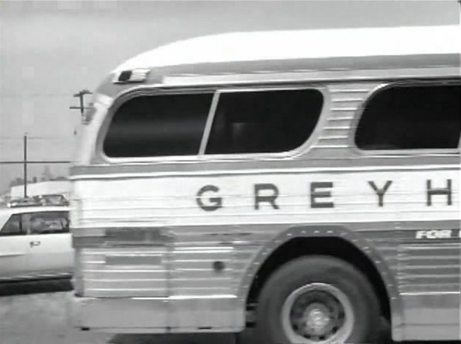 Greyhound Pd 4104 http://www.imcdb.org/vehicle_511780-GMC-PD-4104.html