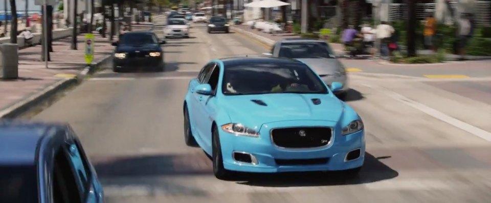 "IMCDb.org: 2014 Jaguar XJR [X351] dans ""Ride Along 2, 2016"""