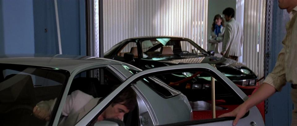 Imcdb Org 1979 Porsche 928 In Quot Scarface 1983 Quot