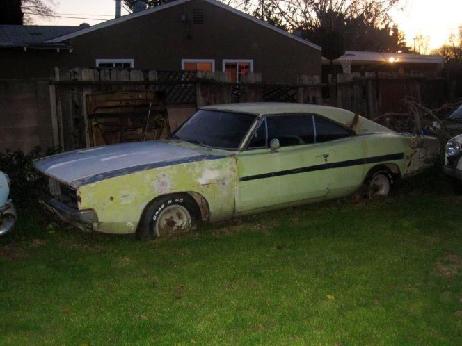 "IMCDb.org: 1969 Dodge Charger R/T 440 in ""Dirty Mary Crazy ..."