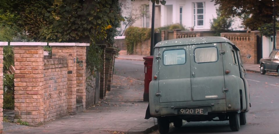 1952 bedford ca mk1 in the lady in the van 2015. Black Bedroom Furniture Sets. Home Design Ideas