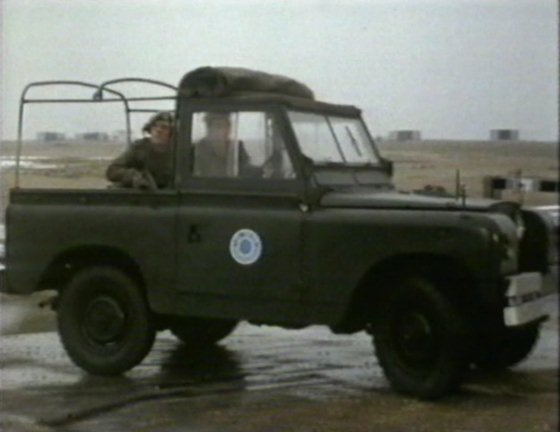 "Used Land Rovers >> IMCDb.org: 1962 Land-Rover 88'' Series IIa in ""Doctor Who ..."
