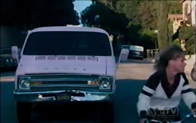 "IMCDb.org: 1974 Dodge Tradesman MaxiVan [B-200] in ""CHiPs ..."