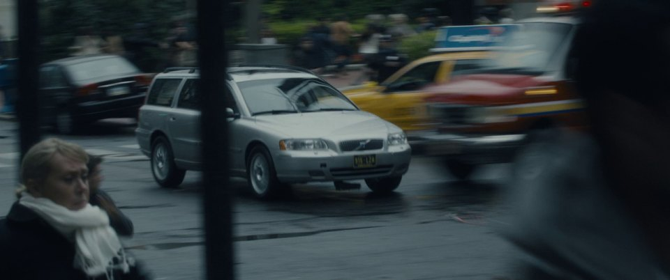 Imcdb Org 2005 Volvo V70 Gen 2 In Quot World War Z 2013 Quot