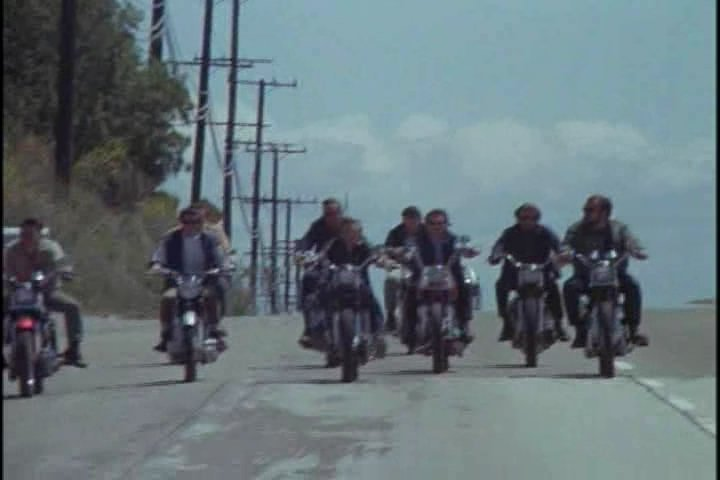 "Harley Davidson Used >> IMCDb.org: ""The Born Losers, 1967"": cars, bikes, trucks and other vehicles"