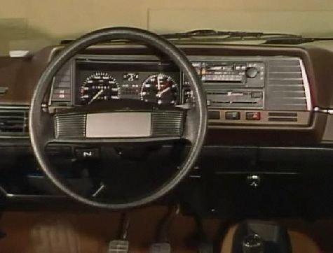 """IMCDb.org: 1983 Volkswagen Passat B2 [Typ 32B] in """"Trafikmagasinet, 1978-2003"""""""