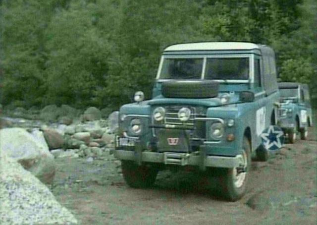 "imcdb: land-rover santana 109'' series iii in ""la aventura del"