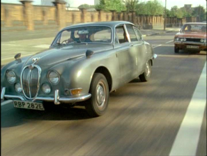 "IMCDb.org: 1967 Jaguar S-Type XJ3 in ""The Sweeney, 1975 ..."
