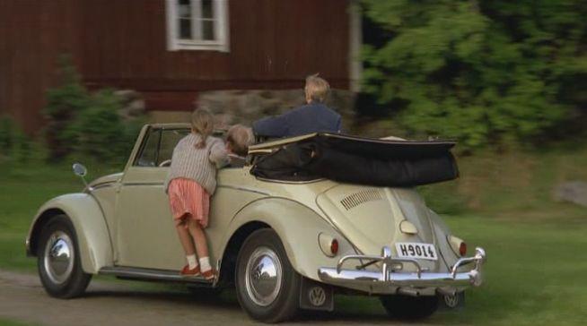 """IMCDb.org: 1956 Volkswagen Cabriolet 'Bubbla' [Typ 1] in """"Lotta på Bråkmakargatan, 1992"""""""