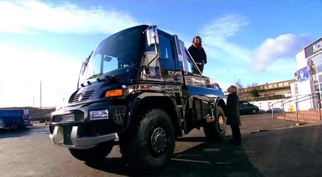 IMCDb.org: 2005 Mercedes-Benz Unimog U 500 Brabus 'Black ...