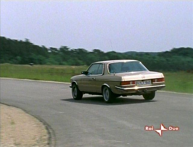 IMCDb.org: 1978 Mercedes-Benz 280 CE [W123] in Alarm für Cobra 11 - Die Autobahnpolizei, 1996-2020