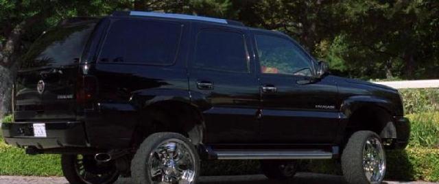 """IMCDb.org: 2002 Cadillac Escalade [GMT820] in """"Malibu's ..."""