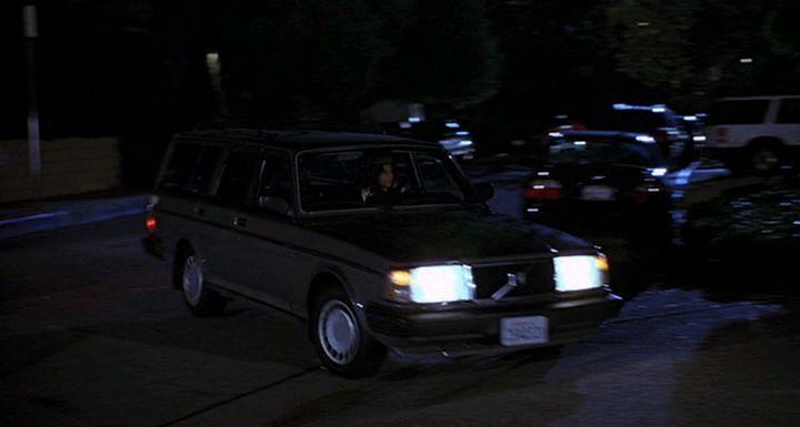 "IMCDb.org: 1986 Volvo 240 DL [245] in ""The 40 Year Old Virgin, 2005"""