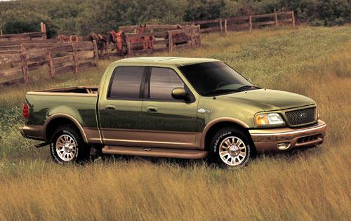 "IMCDb.org: 2001 Ford F-150 SuperCrew King Ranch in ""Bolt ..."