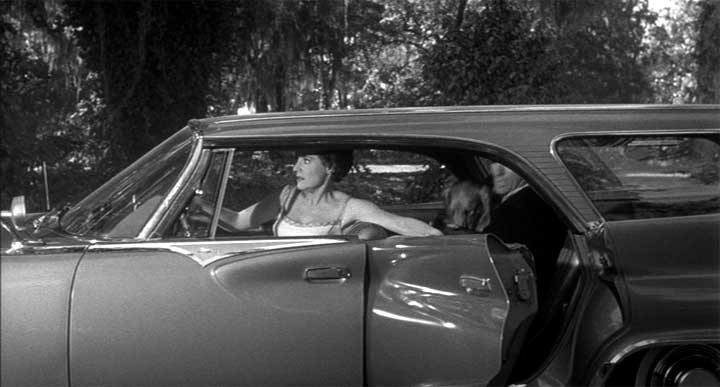 """Used Chrysler Town And Country >> IMCDb.org: 1961 Chrysler New Yorker Town & Country [RC3-H-46] in """"Cape Fear, 1962"""""""