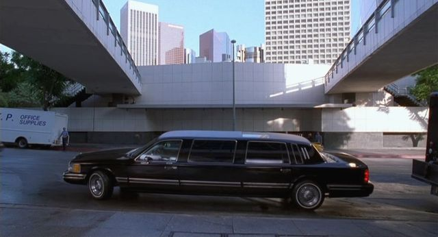 Imcdb Org 1993 Lincoln Town Car Stretched Limousine In