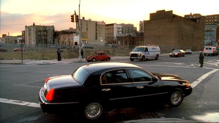 Imcdb Org 1998 Lincoln Town Car Executive Series In The Sopranos