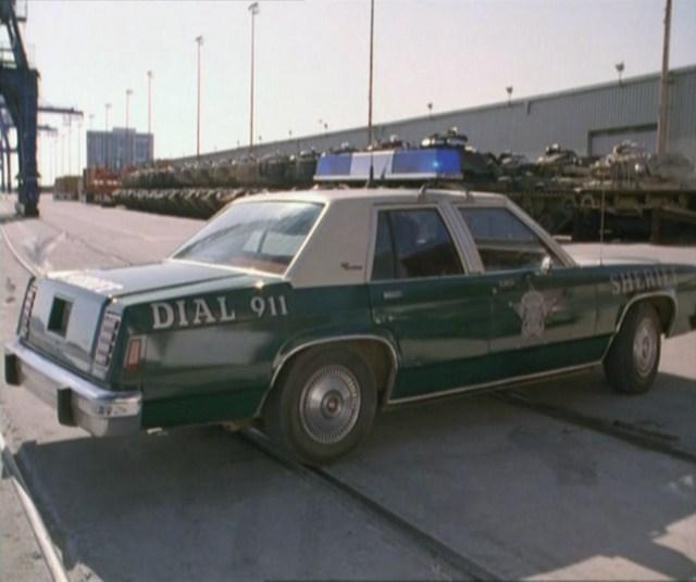 "1994 Ford Crown Victoria Camshaft: IMCDb.org: 1986 Ford LTD Crown Victoria In ""Bandit: Bandit"