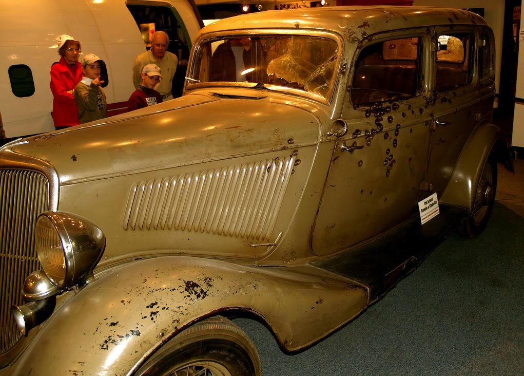 Bonnie v8 & clyde 1934 ford Musicars: Bonnie