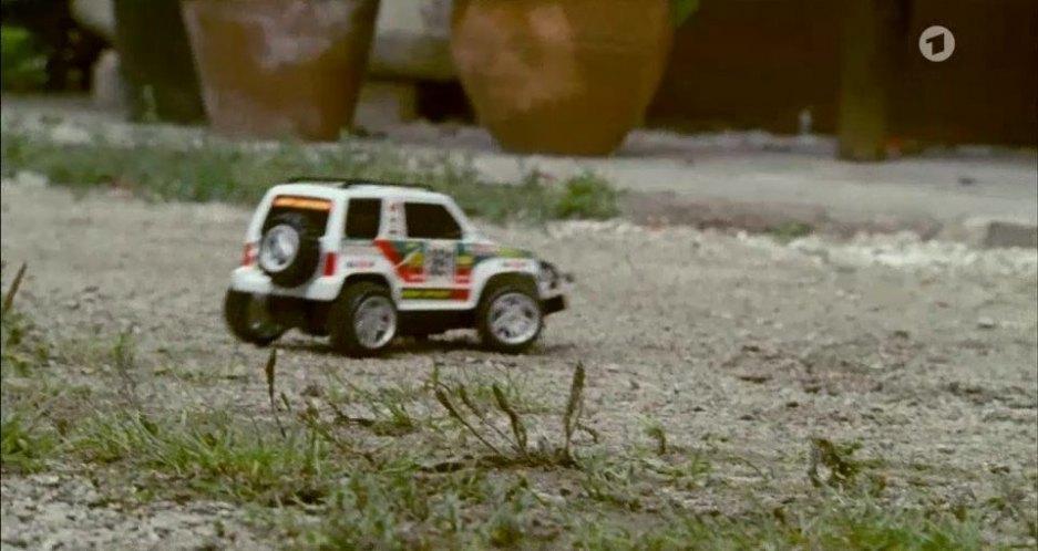 """IMCDb.org: """"Der Ruf der Berge - Schatten der Vergangenheit, 2007"""": cars, bikes, trucks and other ..."""