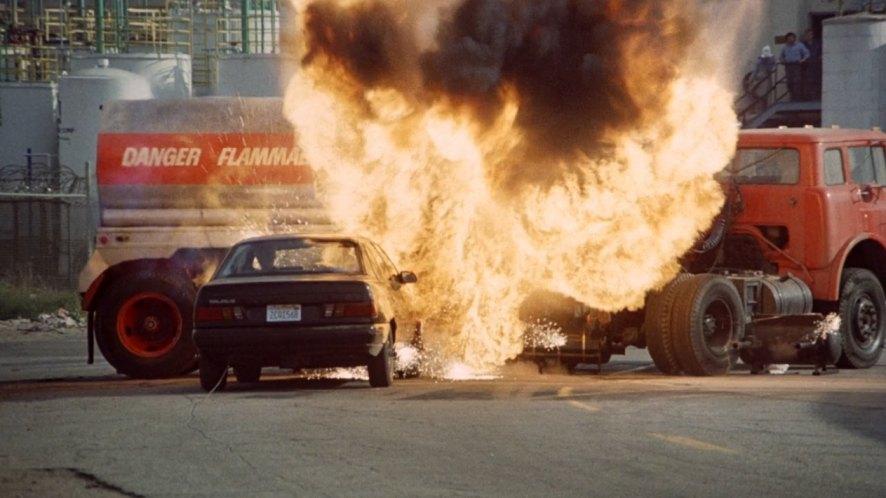 IMCDb.org: 1986 Ford Taurus GL [DN5] in The Naked Gun