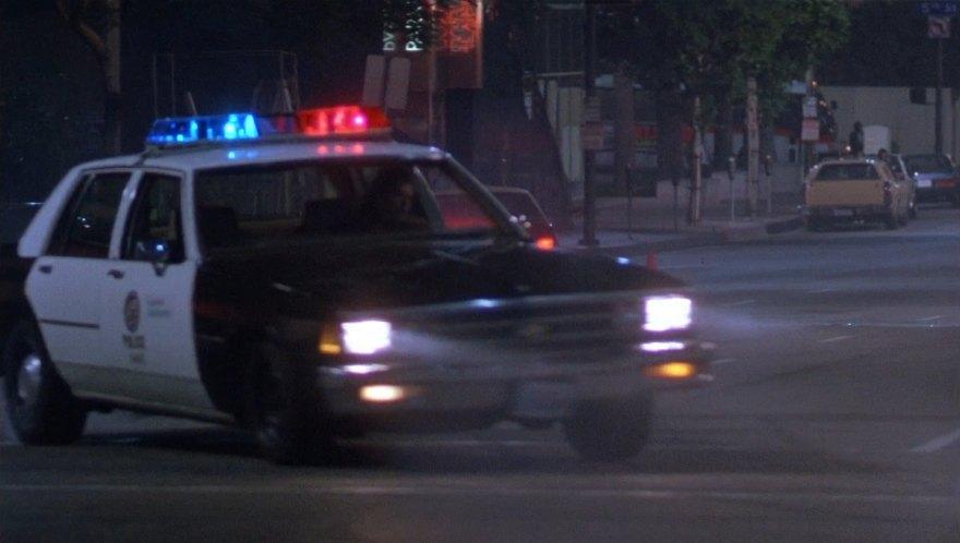 Imcdb Org 1981 Chevrolet Impala 9c1 In Quot Hard To Kill 1990 Quot