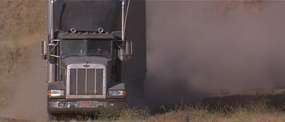 "IMCDb.org: 1991 Peterbilt 377 in ""Breakdown, 1997"""