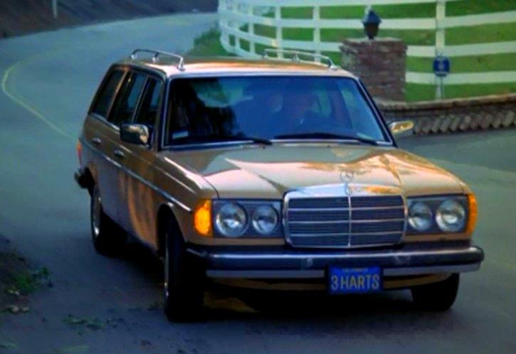 IMCDb org: 1979 Mercedes-Benz 300 TD [W123] in
