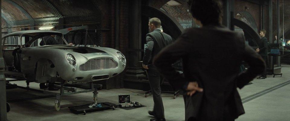 "IMCDb.org: 1964 Aston Martin DB5 in ""Spectre, 2015"""