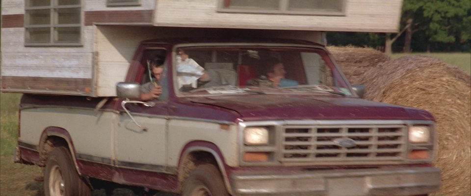"2017 Ford Bronco >> IMCDb.org: 1982 Ford F-150 in ""Twister, 1996"""